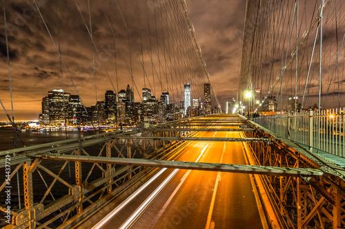 nowy-jork-most-brooklinski-noca-dzielnica-finansowa
