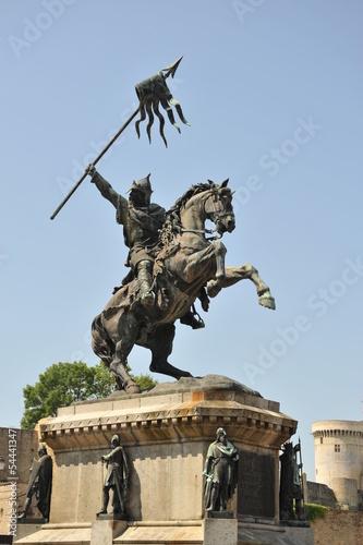 Photo  Statue Guillaume le Conquêrant à Falaise 5