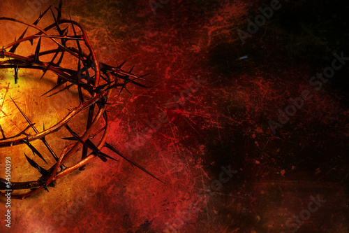 Stampa su Tela Crown of thorns on dark red grunge background