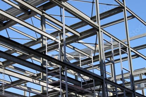 Surélévation d'un bâtiment en structure métallique