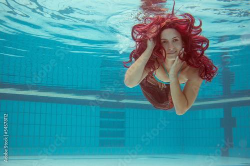 Photo Junge Frau Unterwasser