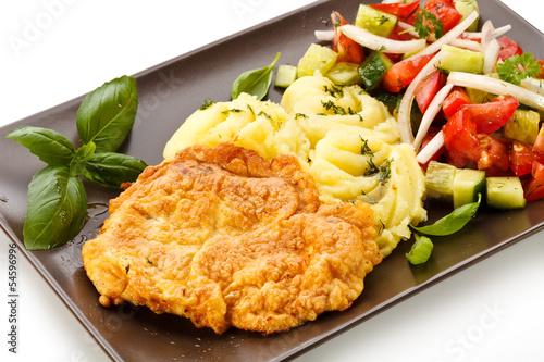 kotlety-wieprzowe-tluczone-ziemniaki-i-surowka