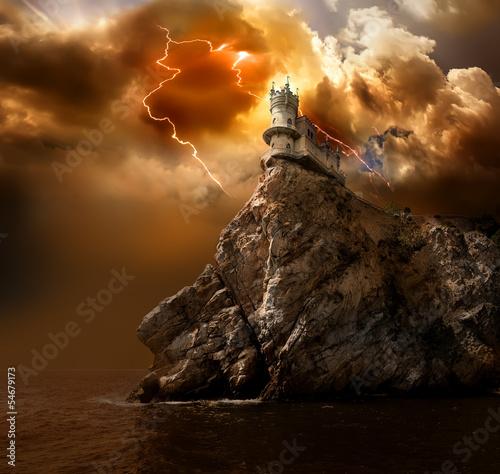 Foto op Plexiglas Kasteel Lightning over the castle