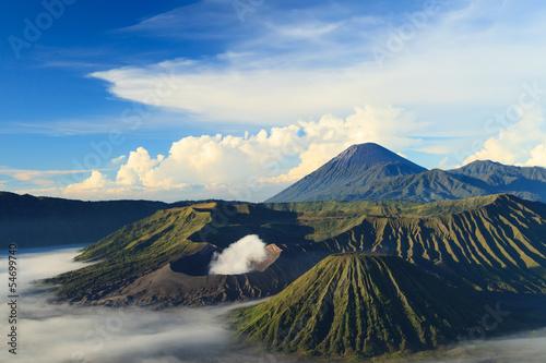 Staande foto Vulkaan Bromo Mountain in Tengger Semeru National Park at sunrise, East