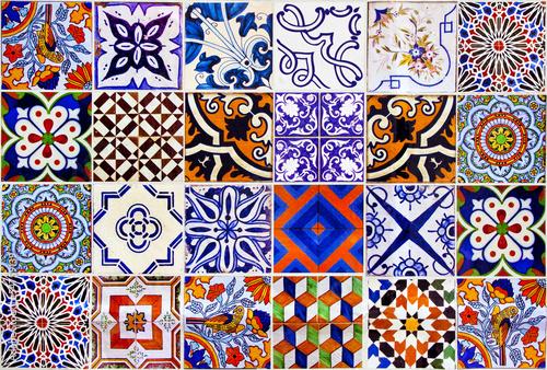 zamyka-w-gore-tradycyjnych-lisbon-ceramicznych-plytek