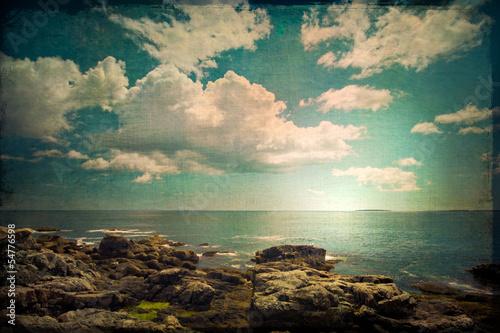 ocean-i-skaliste-wybrzeze-w-stylu-retro-grunge