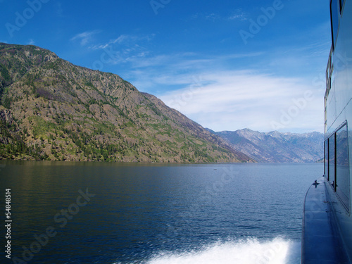 Fotografie, Obraz  Wake in the Water on Lake Chelan Washington USA