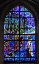 """Vitrail """"Le Christ Sauve Pierre"""" - Eglise St Pierre D'Ancenis"""