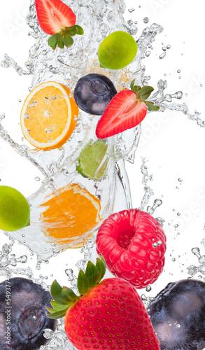 Foto op Aluminium Vruchten Fresh fruit in water splash