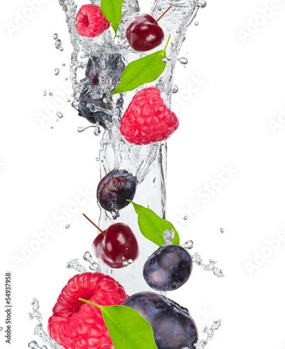 Foto op Canvas In het ijs Fresh fruit in water splash