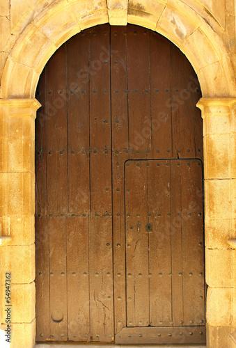 szczegol-drzwi-przy-alcantara-hiszpania