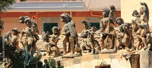 gruppo di statue di pietra, i mostri Wallpaper Mural