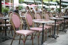 Stühle Und Tische