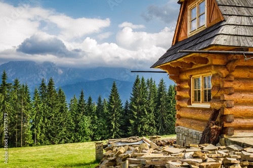 Obraz Rural cottage in the mountains - fototapety do salonu