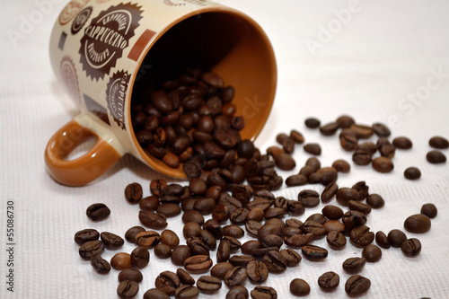 Cadres-photo bureau Café en grains Kaffeehaeferl mit Kaffeebohnen
