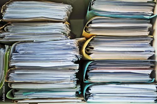 Fotografía  Scartoffie, pratiche e burocrazia