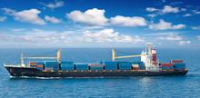 Navire Porte-containers En Mer