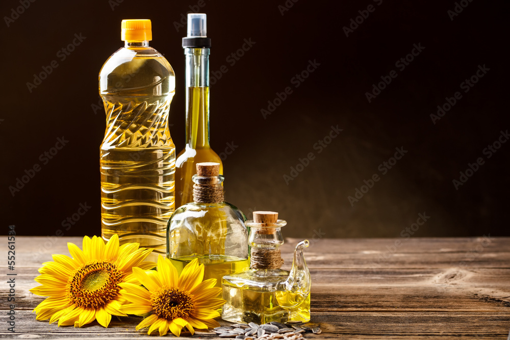 Fototapety, obrazy: Oils in bottles