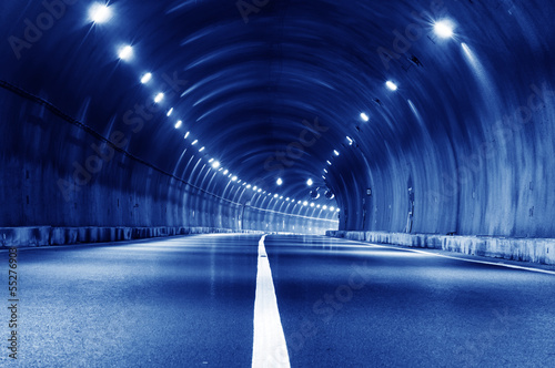 Papiers peints Tunnel Abstract car in the tunnel trajectory