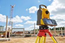 Surveyor Equipment Theodolie O...