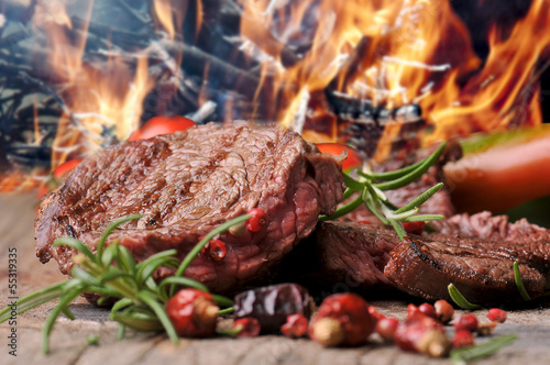Papiers peints Steakhouse gegrilltes Steak vom Rind