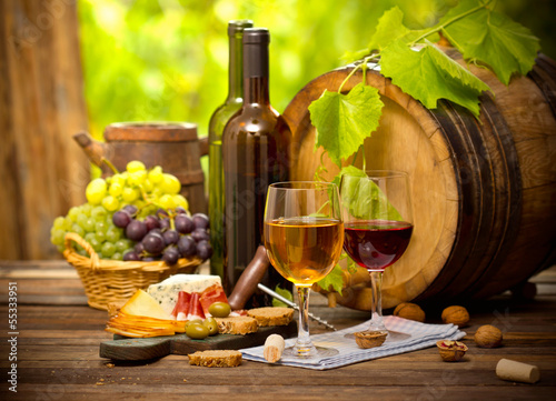 Fototapeta premium Wino i ser
