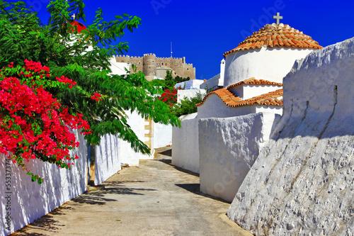 religijna-wyspa-greece-patmos-koscioly-i-klasztor