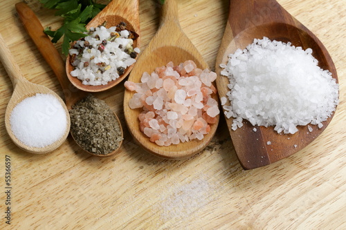 Fototapeta different types of salt (pink, sea, black, and with spices) obraz