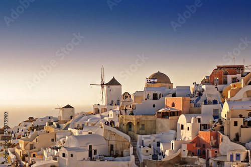 Fototapety, obrazy: Oia white houses and windmills at sunset