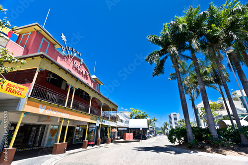 Canvas Print Street scene in Cairns, Australia