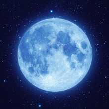 Full Blue Moon With Star At Da...