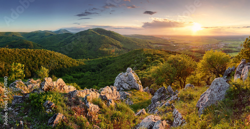 Poster Heuvel peak in sunset - Slovakia mountain