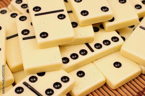 Dominoes плакат