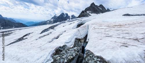 Valokuva  Crevasse sur le Glacier Blanc 3000m (PN des Ecrins)
