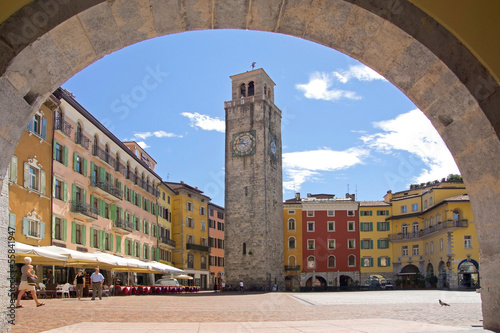 Photo  Riva del Garda, Promenade, Gardasee, Glockenturm, Hafen, Italien
