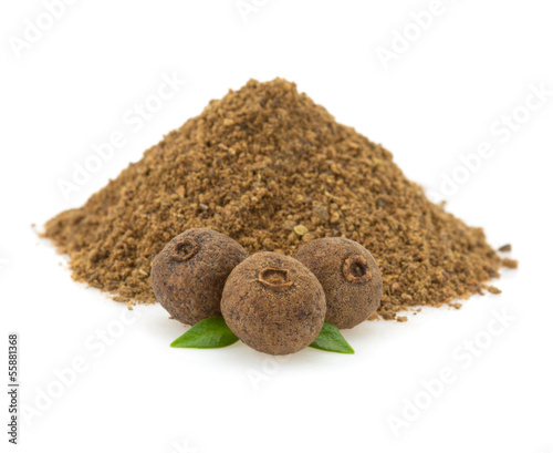 Photo allspice on white background