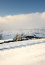 Yorkshire Farmhouse In Winter ...