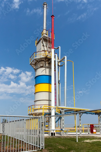 Poster Industrial geb. Gas compressor station in bright sunny summer day