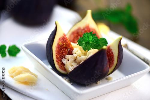Recess Fitting Appetizer Feige mit Parmesan