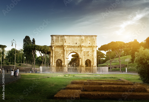 Photo  Arch of Constantine, Rome, italy
