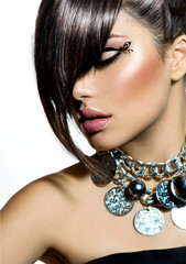 Fototapeta Do fryzjera Fashion Glamour Beauty Girl With Stylish Hairstyle and Makeup