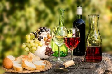 Fototapeta Do gastronomi Weinprobe im Herbst