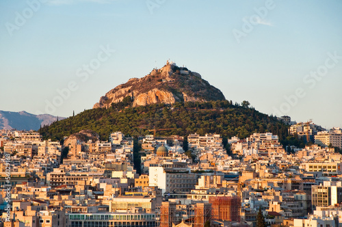 Athènes View of Athens and Mount Lycabettus, Greece.