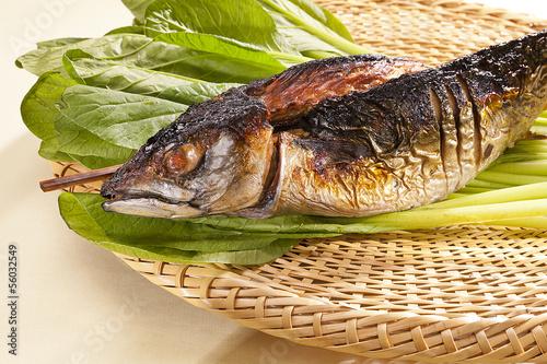 日本の魚料理・浜焼きサバ・焼き魚