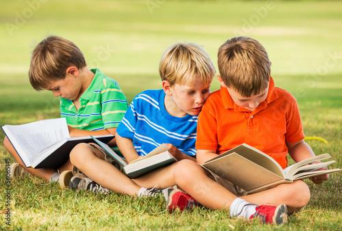 Fotografie, Obraz  Kids Reading Books