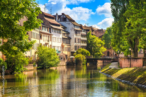 Photo Strasbourg, water canal in Petite France, Unesco site. Alsace.