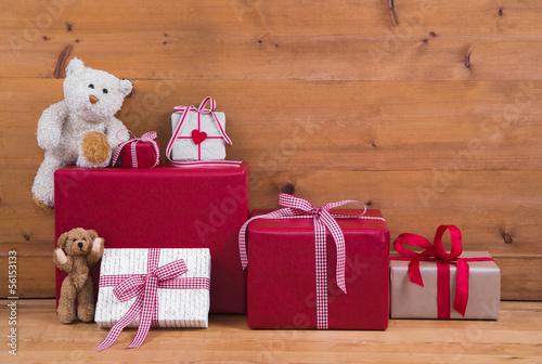 Weihnachtsdeko Geschenke.Weihnachtsdeko Geschenke Rot Als Weihnachtskarte Mit Holz Kaufen