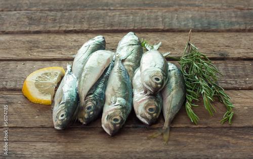 Valokuva  Raw fish (scad)