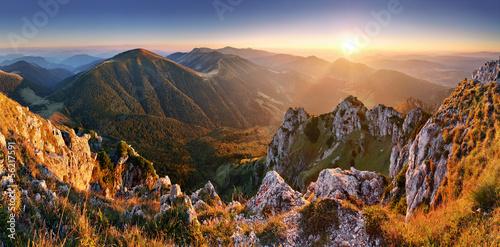 Obraz Szczyt górski Rozsutec - fototapety do salonu