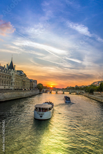 Obraz Boats in the seine - fototapety do salonu